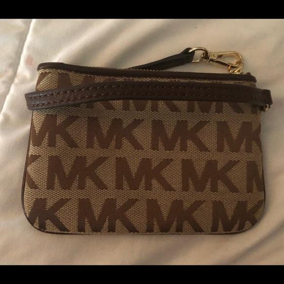 Michael Kors Handbags - SOLD!!!!!!!!!     Michael Kors MK jet set wristlet
